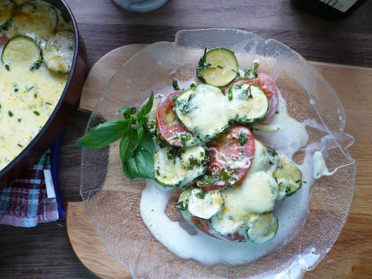 Zucchini Tomaten Gratin mit Mozarella