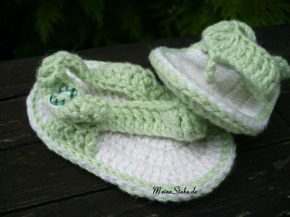 Gehäkelte Babysandalen mit Online Wolle