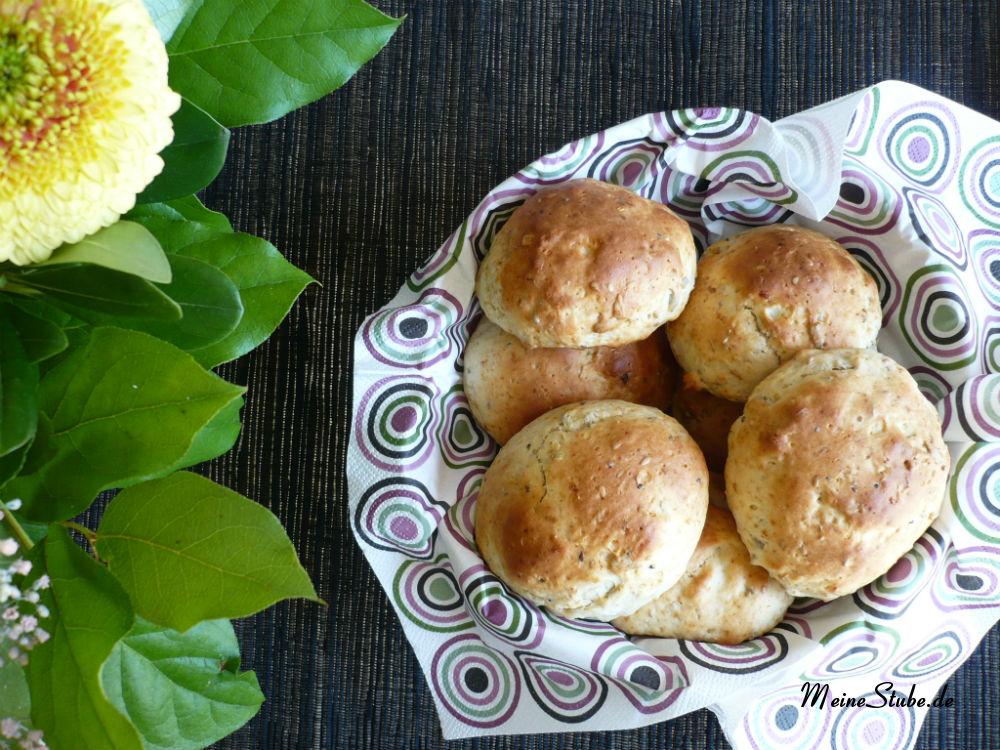 Quarkbrötchen mit Chia Mango Lucuma
