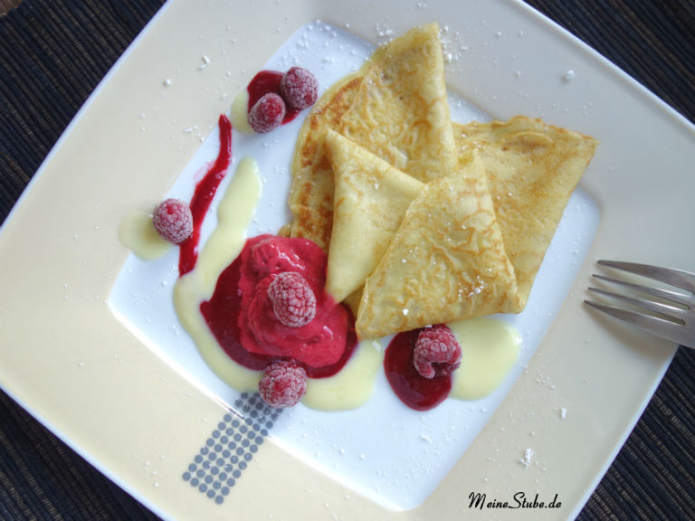 Vanillecrepes-vanillesosse