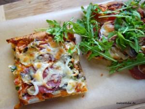 Pizza selbst gemacht und belegt nach herzenslust