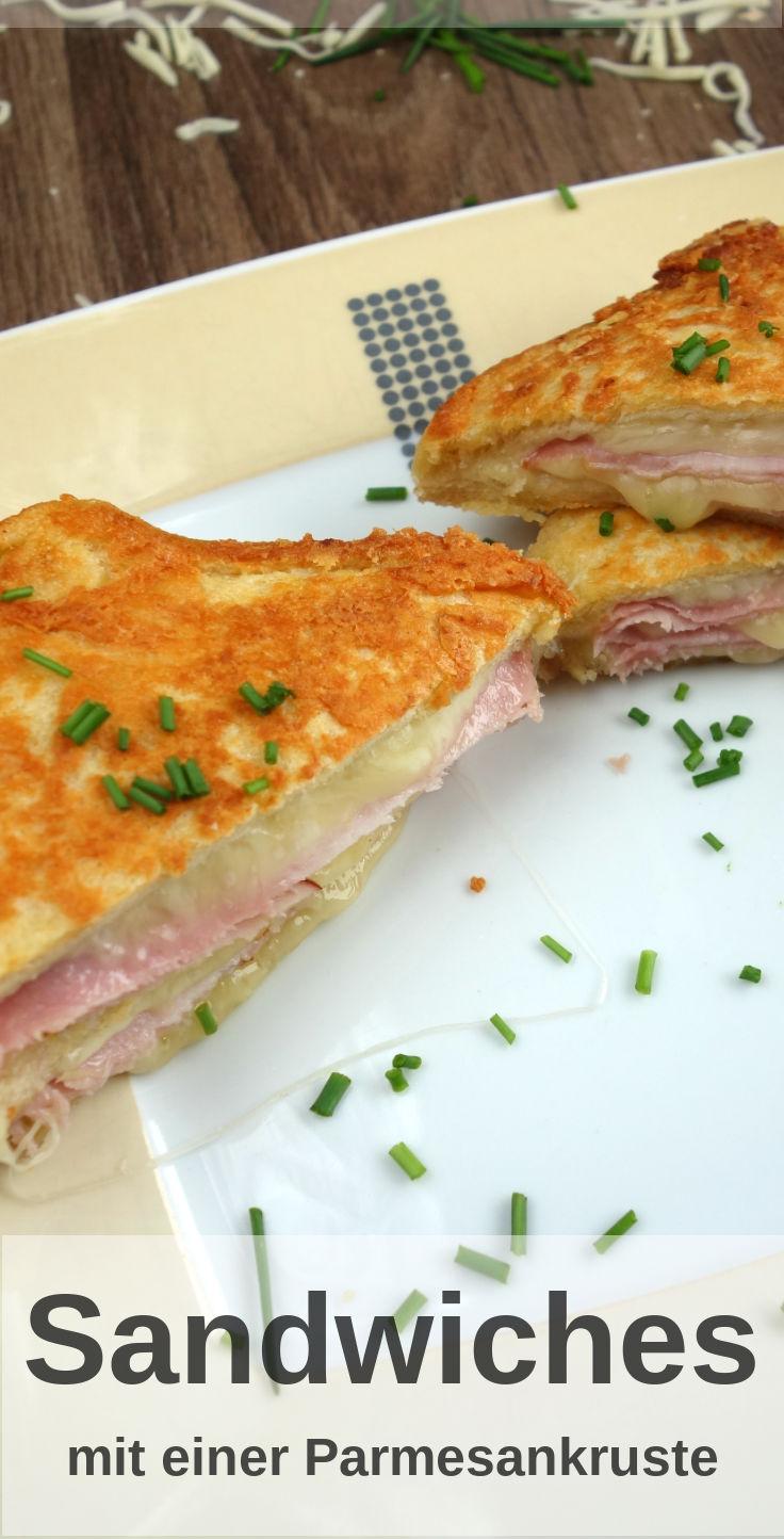 Rezept für ein leckeres Sandwiches mit Parmesan-Kruste. Im innern gekochten Schinken und Käse.