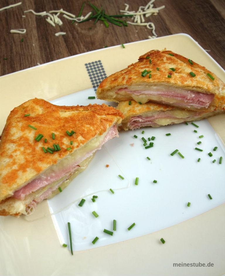 gebratene Sandwiches mit einer Parmesan Kruste