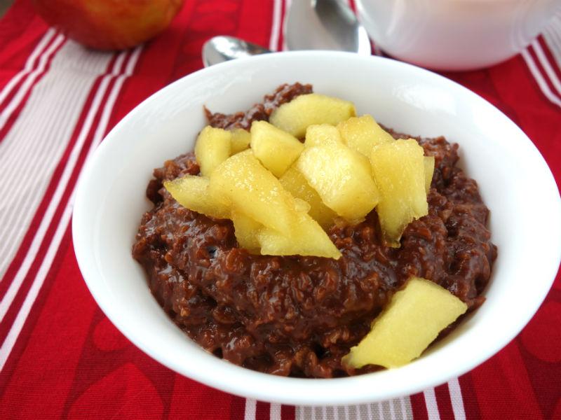 Schoko-Porridge mit karamellisierten Äpfel