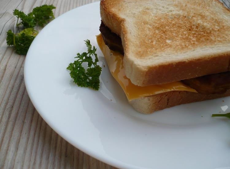 toast mit putenhackfleisch