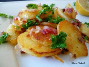 Bratkartoffeln mit Speck und Zwiebeln