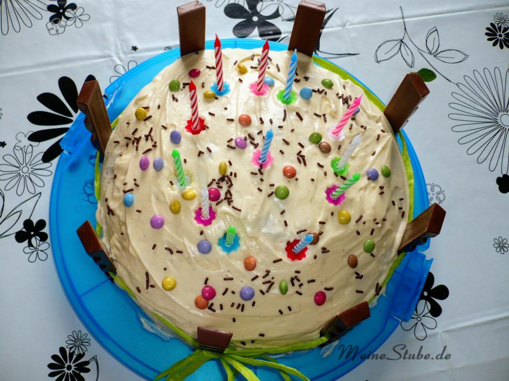 Torte mit Kinderriegel und Smarties
