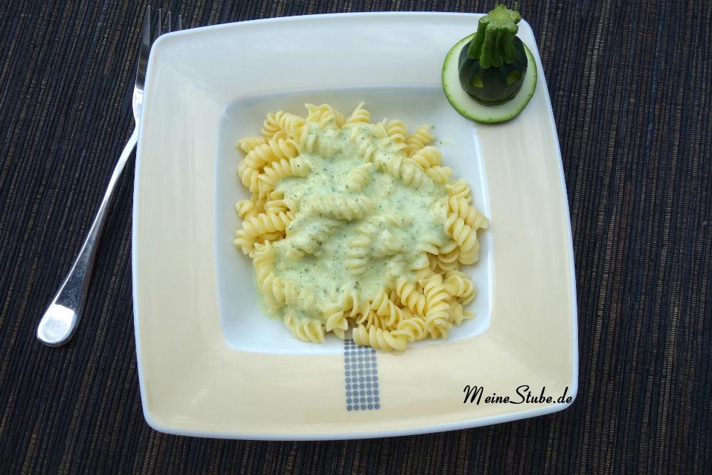 pasta-sahne-zucchini.jpg