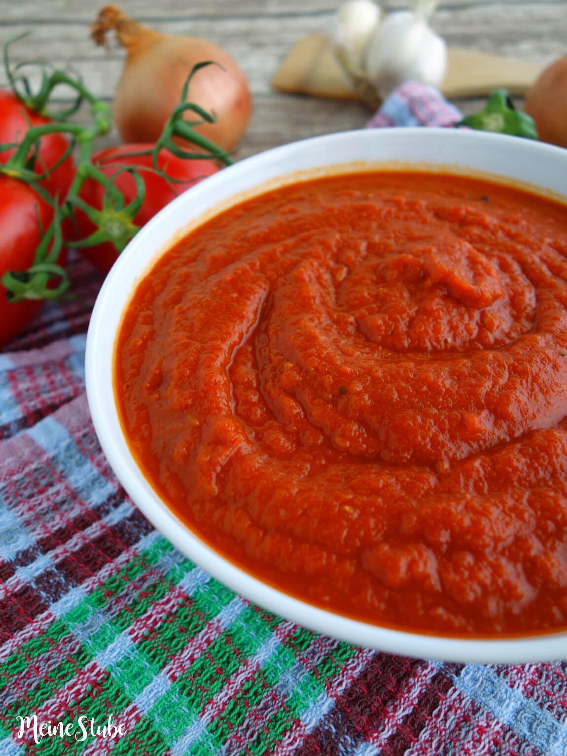 Selbst gemacht Pizzasauce mit frischen Tomaten - Meinestube