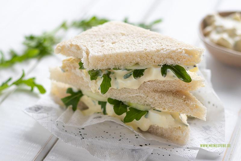 Grüne Sandwiche mit gekochten Eiern, meinestube