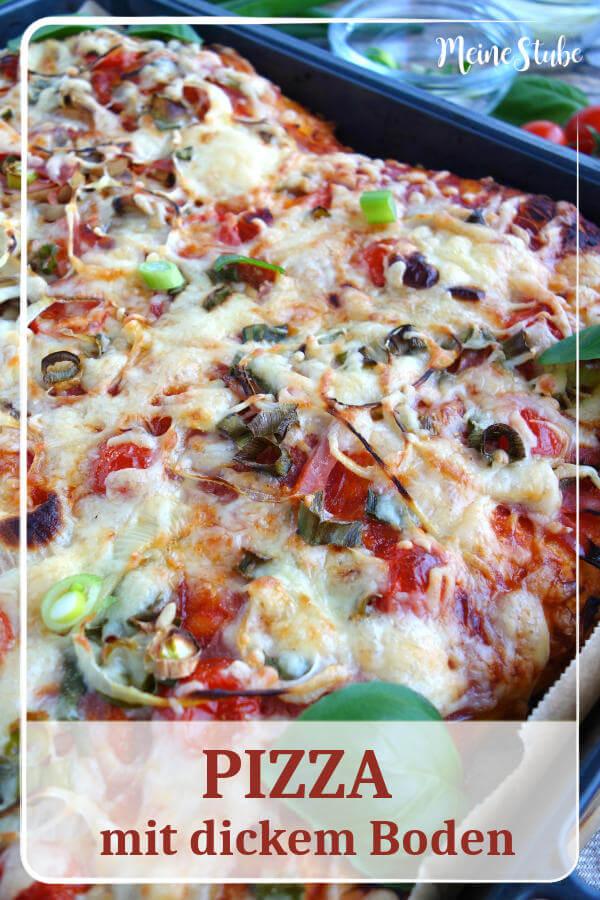 Rezept für eine Backblech Pizza mit dicken und weichem Pizzaboden