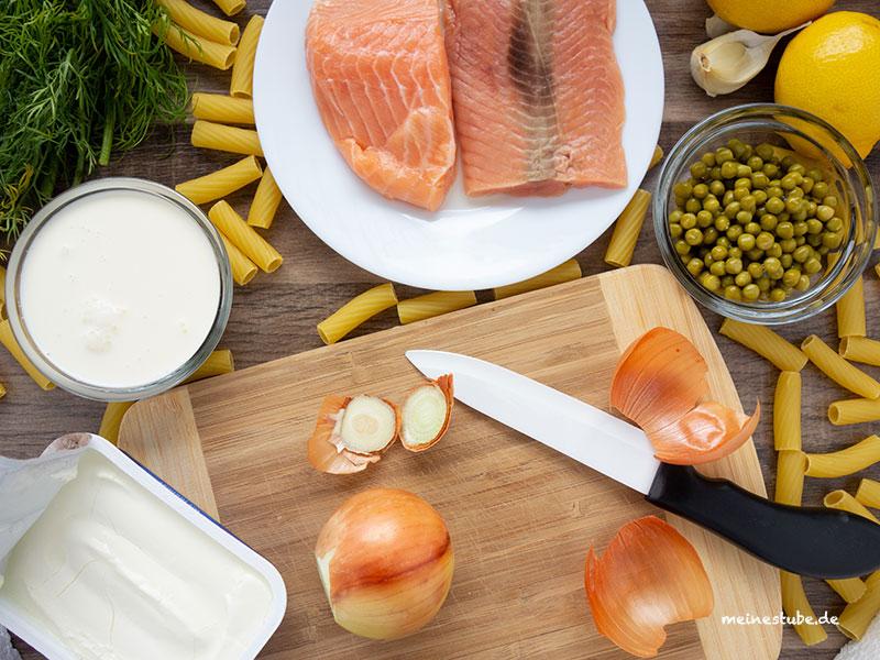Zutaten für das Rezept Nudeln mit Lachs und Erbsen