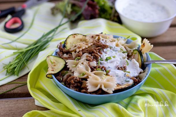 Rezept für türkische Pasta mit Joghurt-Knoblauchsauce, meinestube