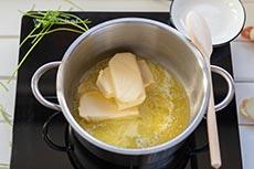Butter im Topf schmelzen, meinestube