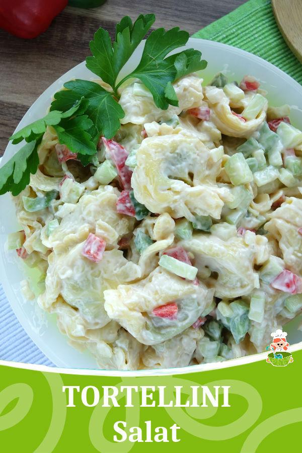 Rezept für einen Tortellini Salat. Lecker zu gegrilltem oder mit Rucola.