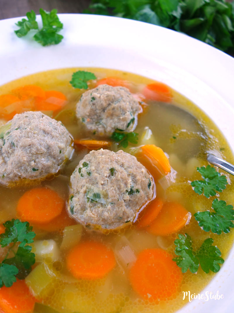 Rezept für Gemüsesuppe mit Hackfleischbällchen