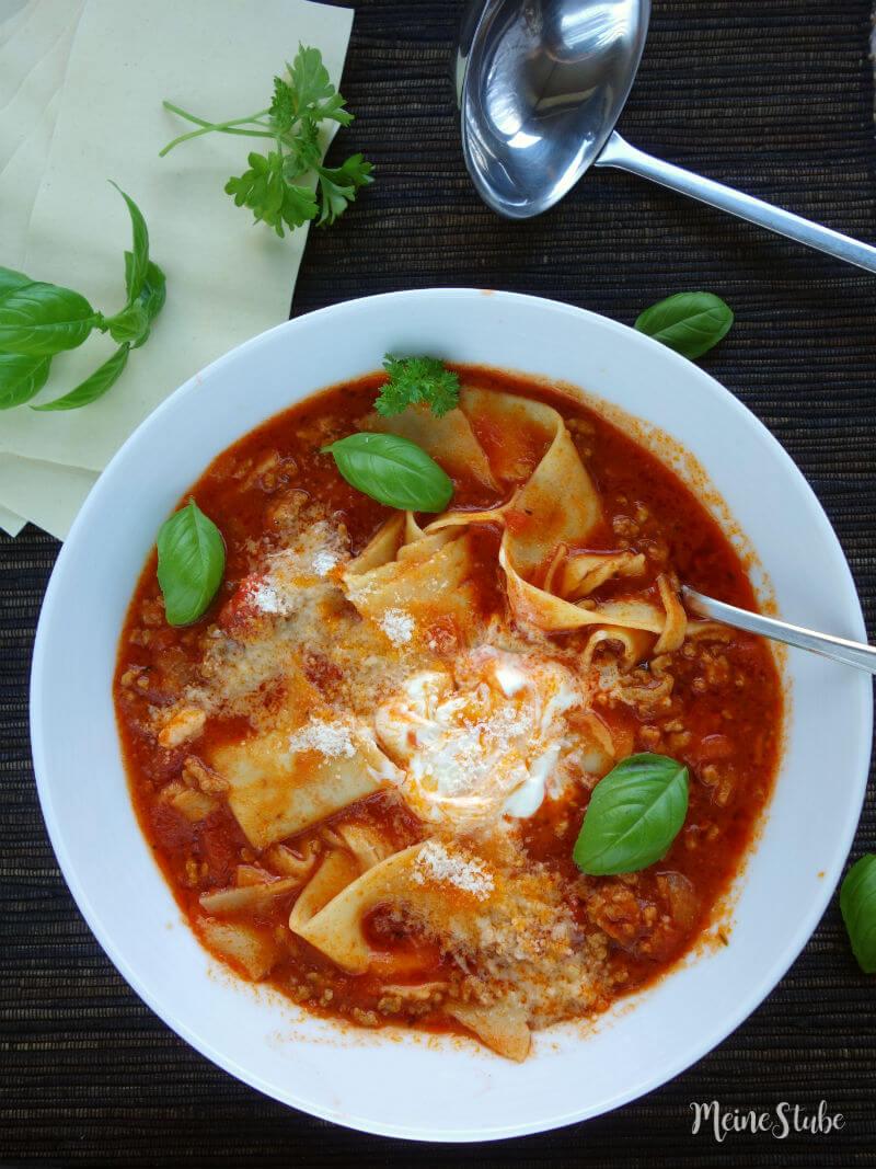 Rezept für eine leckere Lasagne-Suppe.