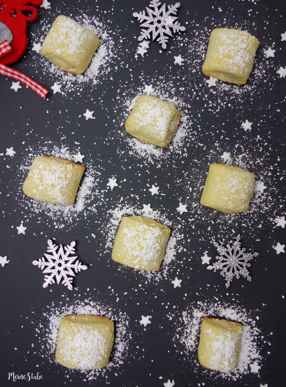 Marzipankissen Weihnachtsplätzchen aus Mürbeteig
