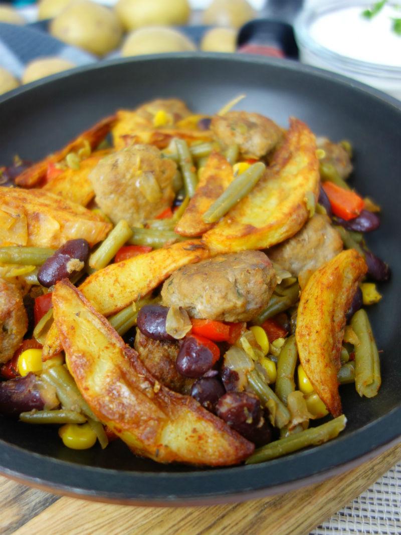 Rezept für eine Western Pfanne mit Kartoffeln, Hacksteaks und Gemüse. Meinestube