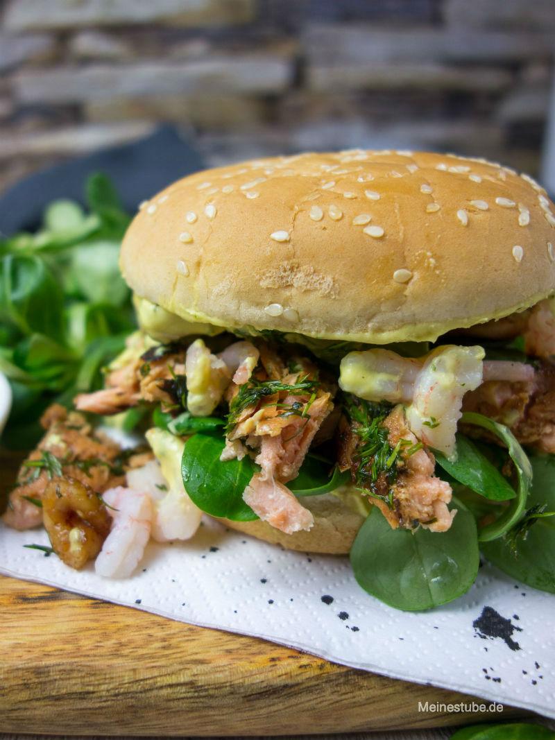 Pulled Lachs Burger mit Krabben zum grillen, meinestube