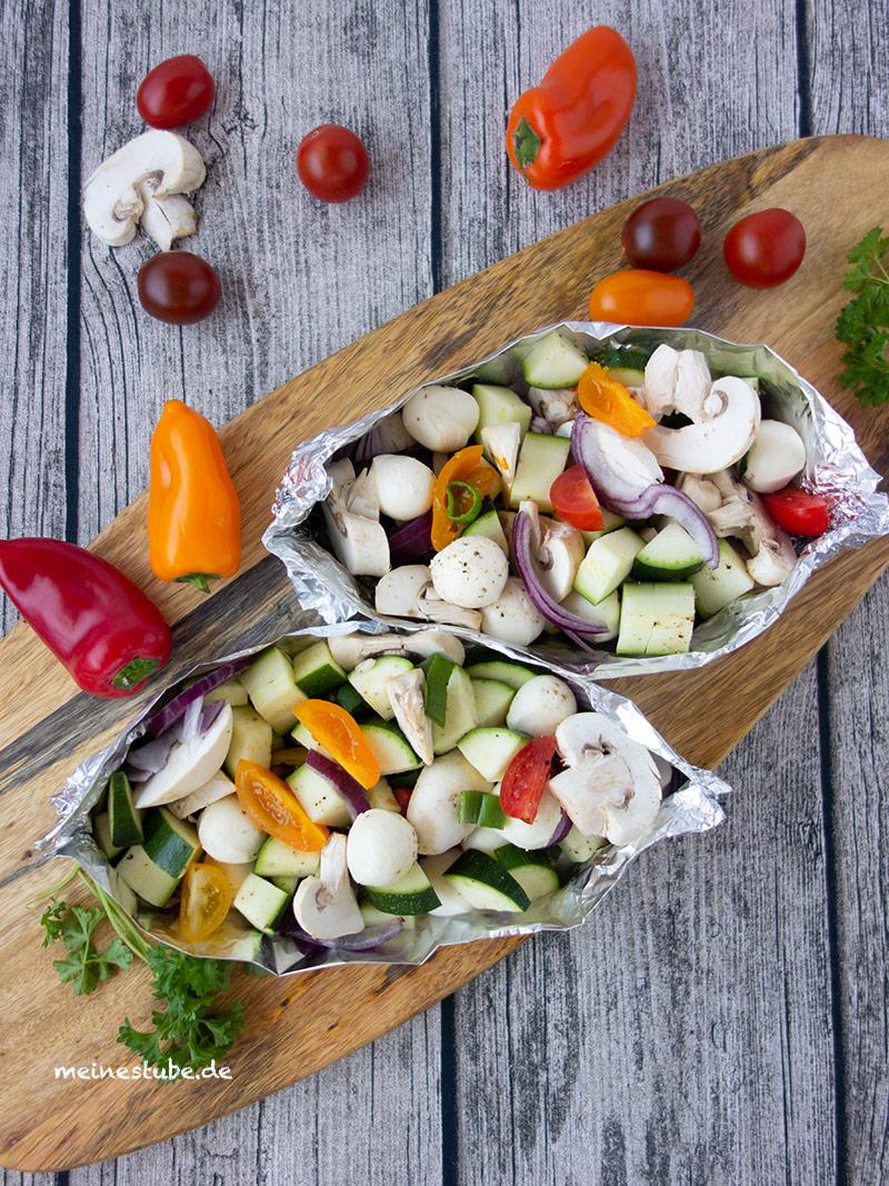 Gemüse-Päckchen zum Grillen, vegetarisch von meinestube