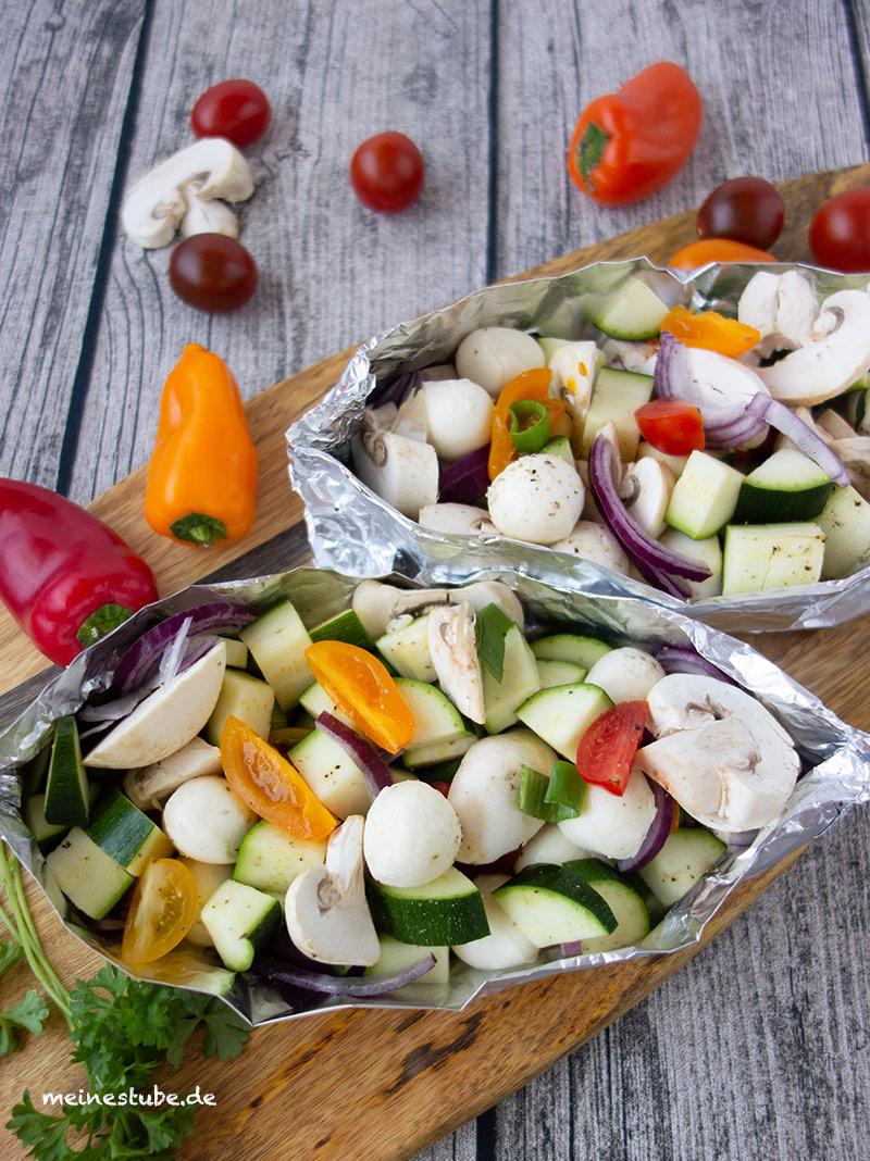 Vegetarische Gemüse-Päckchen für den Grill