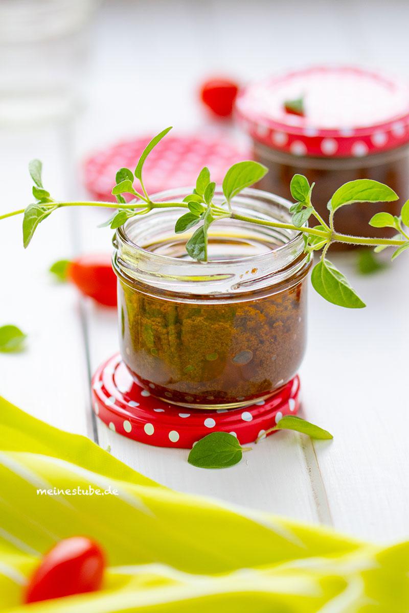 Rezept für Tomaten Oregano Pesto.