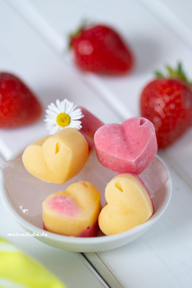 Erdbeereis mit Mangoeis als Eiskonfekt, meinestube