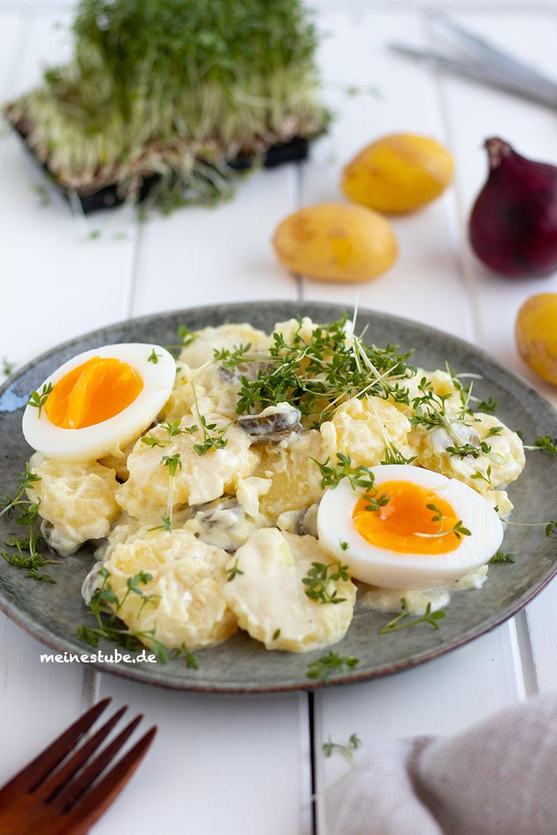 Leckeren Kartoffelsalat mit Ei und Kresse, meinestube
