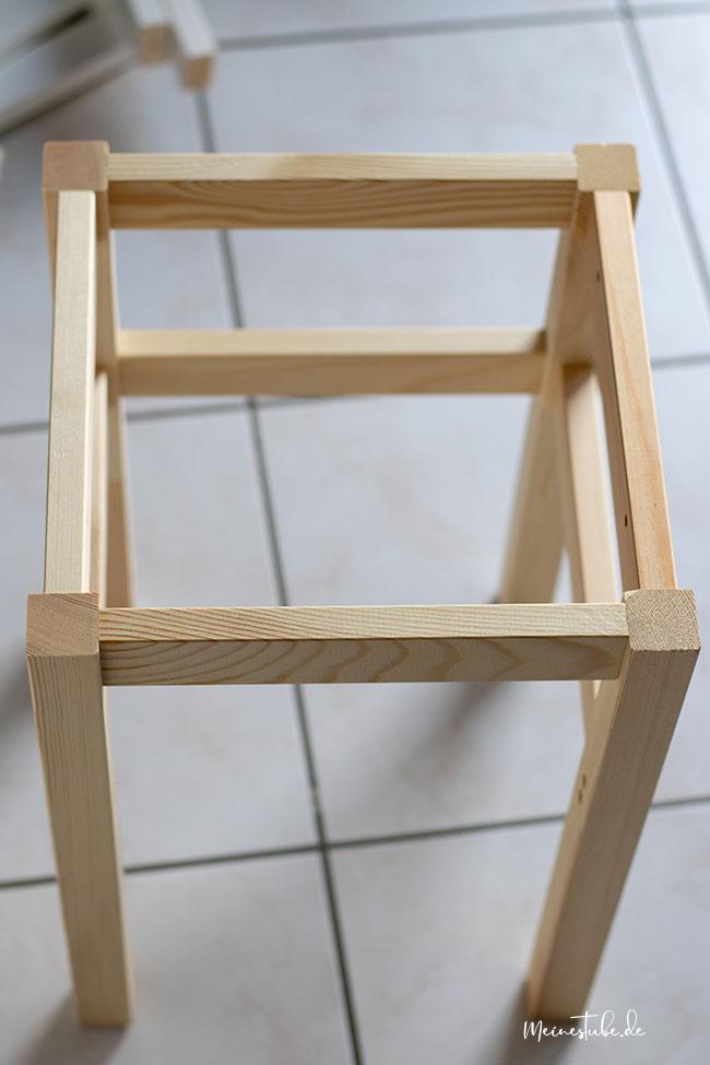 Ein Hocker von Ikea zusammen gebaut, meinestube