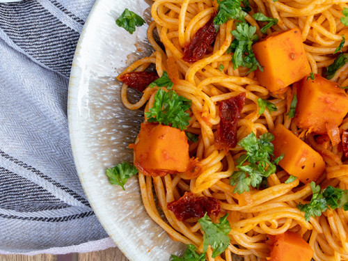 Pasta mit Kürbis und getrockneten Tomaten, meinestube