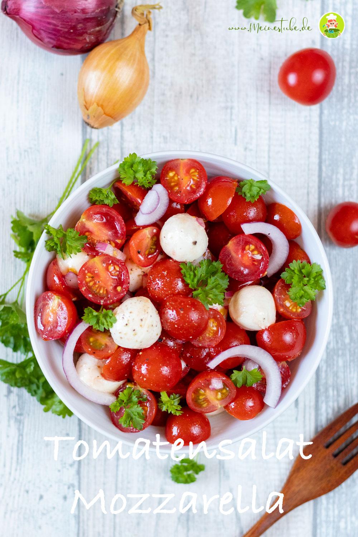 Tomaten mit Mozzarella angerichtet, meinestube
