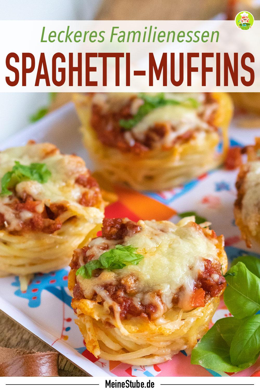 Spaghetti Muffins gekocht und mit Basilikum bestreut, meinestube