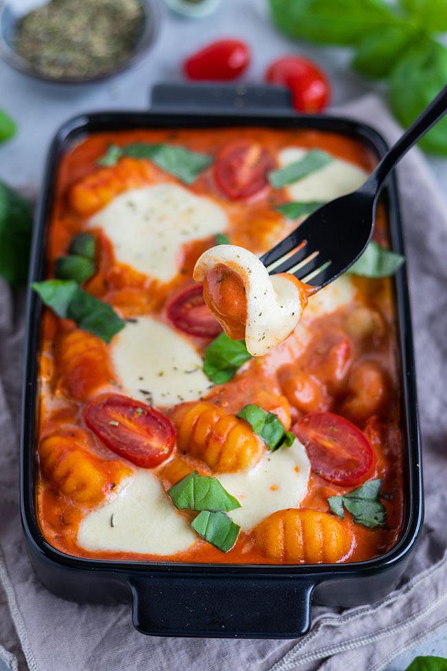Gnocchi-Auflauf Tomatensoße und Mozzarella von meinestube