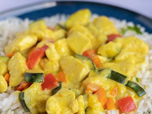 Hähnchen-Curry mit Reis und Gemüse von meinestube