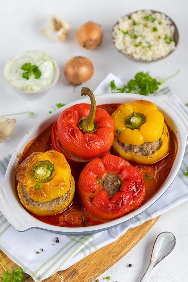 Gefüllte Paprikaschoten in Tomatensoße von meinestube