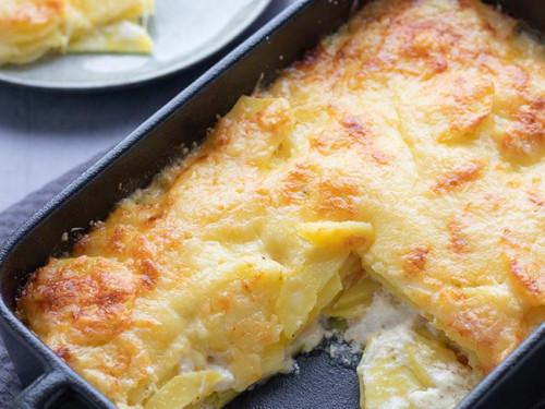 Kartoffelgratin mit Emmentaler Käse, meinestube