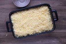 Kartoffeln mit Käse bestreuen, meinestube