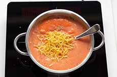Tomatensuppe mit Nudeln kochen, meinestube